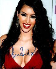 KIM KARDASHIAN Signed Autographed KEEPING UP WITH THE KARDASHIANS 8X10 Photo D