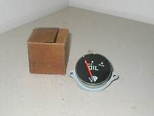 INTERNATIONAL L, R & S PICKUP, TRAVELALL & TRAVELETTE NOS OIL PRESSURE  GAUGE
