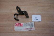 Yamaha XT600 3TB-83369-00-00 STAY,FLASHER Genuine NEU NOS xn4750