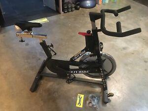 INDOOR CYCLING BIKE - SCHWINN IC PRO