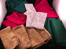 LOT OF 26 VINTAGE 1980'S & 1990'S ERA CHRISTMAS DINNER NAPKINS (VARIOUS COLORS)