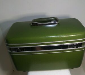 Vintage Samsonite Silhouette Green Overnight Train Case.