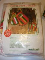 USED PLASTIC CANVAS PATTERN CHRISTMAS TREE ORNAMENT KIT counted needlepoint