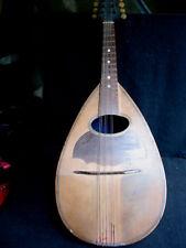 petite mandoline en bon état sans doute début XXème