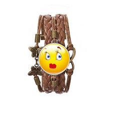 Rote Lippen Shy Kuss Emoji Bronze braunes Leder Emotionen Armreif Armband BB173