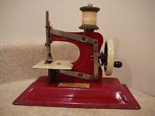 Vintage Toy Child's Sewing Machine Gateway Junior Model NP-1 RED 1940 1950
