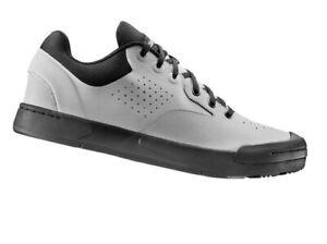 LIV Women's Shuttle Flat Shoe