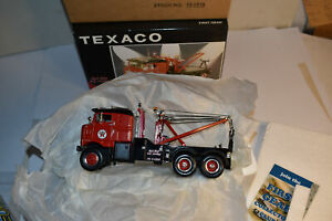 First Gear Kenworth Bull-Nose 1953 Tow Truck Texaco Red Star NRFB 1/34 19-2514
