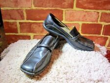 BORN WOMEN'S BLACK LEATHER LOAFER SIZE 8 2380