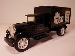 1993 Ertl 1931 International White Castle Truck Die Cast Bank 1/34 New MIB