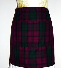 SHORT BISTRO / CAFE / PUB APRON, PURPLE / GREEN LINDSAY TARTAN. FRONT POCKET..