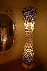 Floor standing standard lamp with natural bamboo rings and shell - white - 100cm