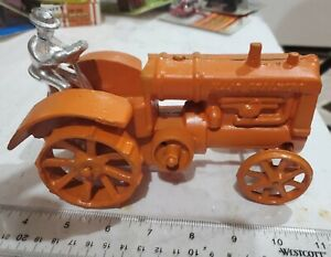 Cast Iron ALLIS-Chalmers 1/16 Scale Tractor with Driver MIB L@@K!