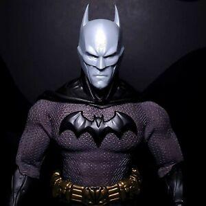 Mezco Batman Custom Head Sculpt One:12