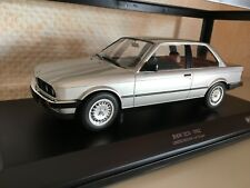 BMW 323i 1982 silber 1:18 Minichamps neu + OVP 155026001