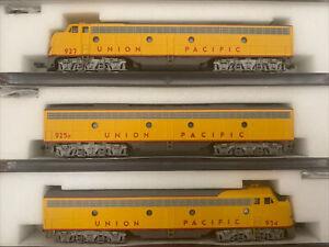n scale kato EMD E8/9 ABA Union Pacific UP passenger locomotive Set 3RD#
