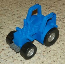 LEGO - Duplo Farm Tractor New Style with 2 x 3 Studs on Hood - Blue