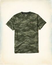 New Hollister by Abercrombie & Fitch.Mens Green Camo V Neck T-Shirt. Size M
