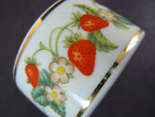 SET OF 10 PORCELAIN NAPKIN RINGS STRAWBERRIES AVON MADE IN BRASIL (W2-6)