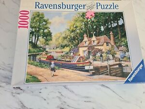 Ravensburger 1000 piece jigsaw puzzle Life On The Canals Alan King 158409