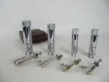 4 alte Arztspritzen Glasspritzen mit Kanülen in Edelstahlröhren und Ledertasche