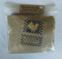 NEW IN PACKAGE HOOKED ON RUGS Primitive CHICKEN COMPLETE Rug Hooking Kit 1990