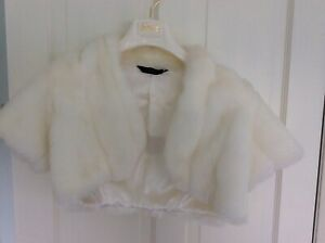 Ivory short fur wedding jacket size S/M by debut