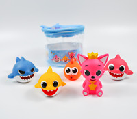 Pinkfong baby shark family water gun bathroom Squirts toy over 3 years old Kids