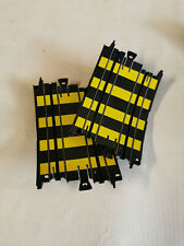 TYCO  SLOT-CAR  DEUX  RAMPES  COURBES  B-5879  POUR  PISTE  VERTICALE