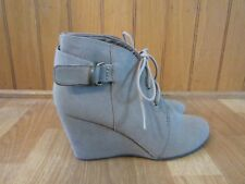 Coconuts Clooney Taupe Wedge Ankle Lace Up Bootie Boots Size 9m