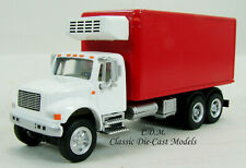 International 4900 White/Red 3 Axle Refrigerated Truck HO Walthers 949-11391