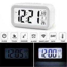 Blanco LCD Alarma Reloj Despertador Digital con Dormitar Calendario Temperatura
