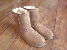 Women's Classic Short UGG Boots #5825 New in box Size 9
