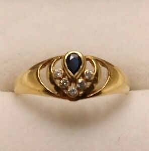 18ct Gold Ring With Blue And White Sapphires