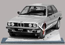 BMW M3 E30-02, VOITURE ALLEMANDE EN HORLOGE MINIATURE SUR SOCLE