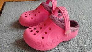 Crocs Schuhe pink lila Fell Hausschuhe Gr EU 27-29, US C 10 /11 warm gefüttert
