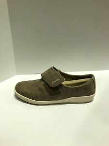 Skechers Madison Ave Distinctively Comfort Sneaker Taupe US8 M