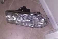 98 99 00 01 02 03 04 Chevrolet S10 Blazer Passenger Side Headlight OEM Original