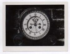PHOTO ANCIENNE Nature morte Horloge Mécanisme 5h35 heures Chiffres romains