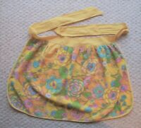 Vintage Floral Terry Cloth Half Apron With Pocket