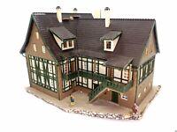Bauernhaus Sonnenhof mit Figuren BELEUCHTET Spur N C1121