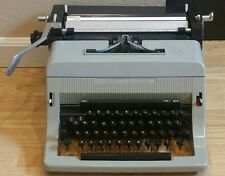 Vintage Olivetti Linea 80 Made In Great Britain Typewriter Works Clean