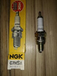 C7HSA    NGK CLASSIC SPARK PLUG. MOTORCYCLES &  MOPEDS