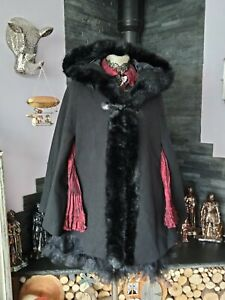 STUNNING BLACK FUR TRIM HOODED CAPE SIZE 8 WHITBY STEAMPUNK