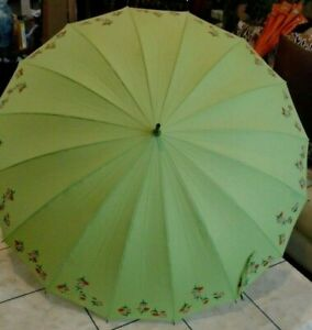 NEW OS VINTAGE LEIGHTON  UMBRELLA GREEN CLOTH EMBROIDERED FLOWERS ON THE EDGE