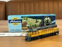 HO Athearn Union Pacific #2050 GP38-2 Super Detailed Locomotive Box Japan