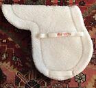 Toklat Medallion White Fleece Hunter Saddle Pad