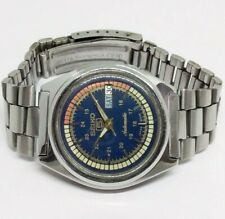 7009 VINTAGE MEN'S SEIKO 5 AUTOMATIC DAY DATE WRIST WATCH IN EXCELLENT CONDITION
