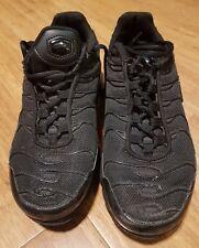 Nike Tn Air triple black UK 5