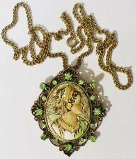 pendentif+chaine rétro gravé relief cristal vert camée femme en couleur * 5105